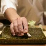コロナ禍でも寿司屋をV字回復させた73歳大将の手法!